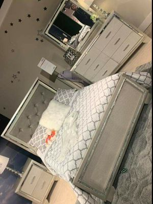 👉$39 Down Payment 👈👍 SPECIAL] Lonnix Silver LED Upholstered Panel Bedroom Set for Sale in Jessup, MD
