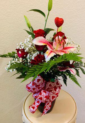 Flower arrangement for Sale in Taylor, TX