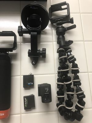 GoPro 7 black with Karma Grip and attachments for Sale in Lithia Springs, GA