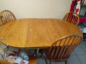 Kitchen table with leaf. $99.99 obo for Sale in San Leandro, CA