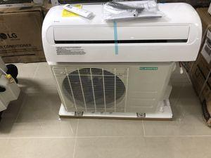 18000 BTU mini split AC unit 19 seer for Sale in North Palm Beach, FL