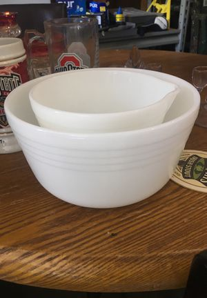 Vintage Pyrex mixing bowls for Sale in Pickerington, OH