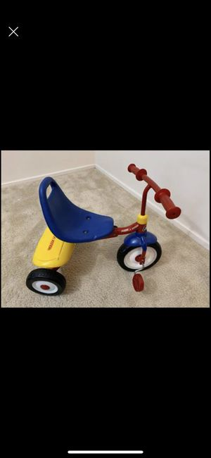 Radio flyer- Tricycle for Sale in Lombard, IL