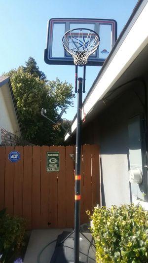 Basketball hoop for Sale in Visalia, CA