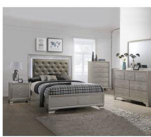 Queen bedroom set for Sale in Braddock, PA