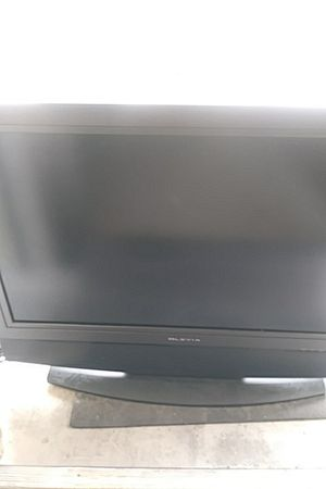 Olevia 40 inc tv for Sale in US
