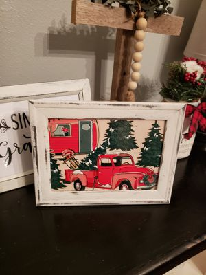 Farmhouse red tuck and camper picture for Sale in Ocala, FL