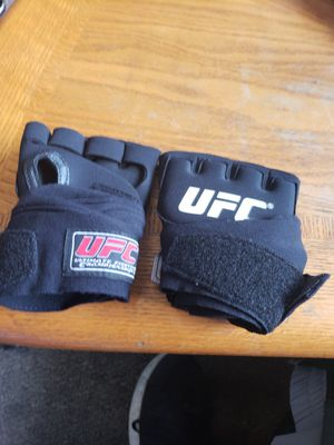 UFC gloves for Sale in Tacoma, WA
