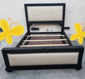 Queen size bed frame like new for Sale in Orange, CA