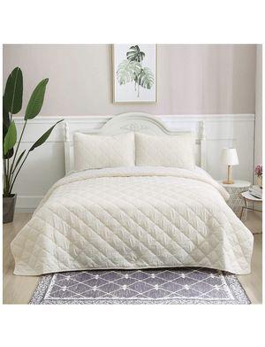 size king 3-Piece Diamond Quilt Set Bedspread Set, King Size Comforter Lightweight Bed Blanket, Ivory, Includes 1 Quilt, 2 Shams for Sale in Montebello, CA