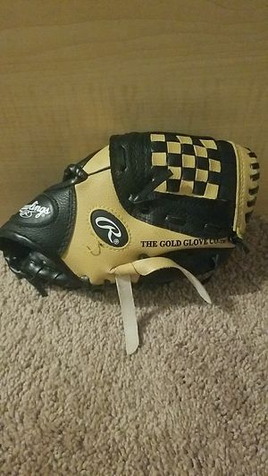 Rawlings baseball glove for kid. for Sale in Ayer, MA