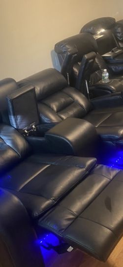 Leather Reclining sofa and loveseat for Sale in Cliffwood,  NJ