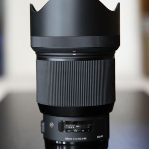 Sigma 85mm f/1.4 DG HSM Art Lens for Canon EF with Pro Optic 86mm UV filter Used on a few shoots. Perfect condition Cash only Meet locally for Sale in McKinney, TX