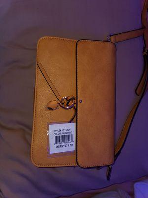 Yellow purse for Sale in Phoenix, AZ