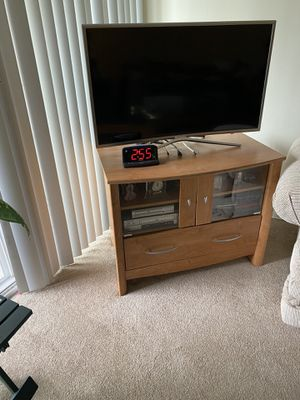 3-piece coffee table set w/TV stand for Sale in North Bethesda, MD