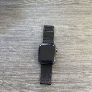 Apple Watch Series 4–GPS+Data for Sale in Carlsbad, CA