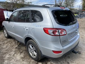 Only for parts 2011 Hyundai Santa Fe gls at 2.4 fwd for Sale in Orlando, FL
