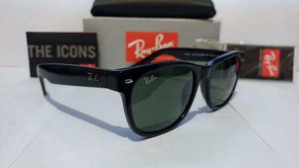 "Ray Ban 2132 55mm and ""New"" Wayfarers Gloss Black frame dark green g15 lens"