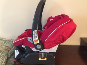 Peg-Perego Car Seat and Carrier (like new) for Sale in Alexandria, VA