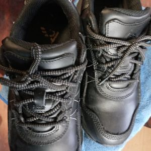 ACE OIL/ SLIP RESISTENT WORK SHOES AND BOOTS FROM $10 TO $35 for Sale in Glen Burnie, MD