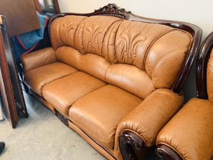 Italian leather couch 🛋 💯 condition for Sale in Orlando, FL