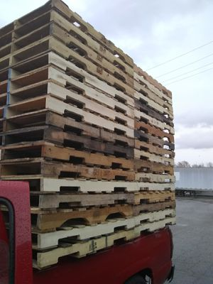 """Now buying 40""""×48"""" Pallets 4-ways for Sale in Indianapolis, IN"""
