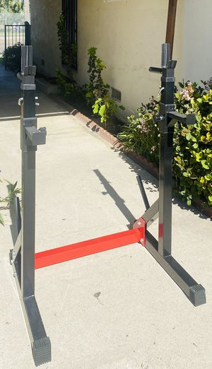 Squat rack with dip station weight capacity 500 lbs for Sale in Fullerton, CA