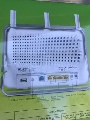 TP link AC 1750 ROUTER.. for Sale in Visalia, CA