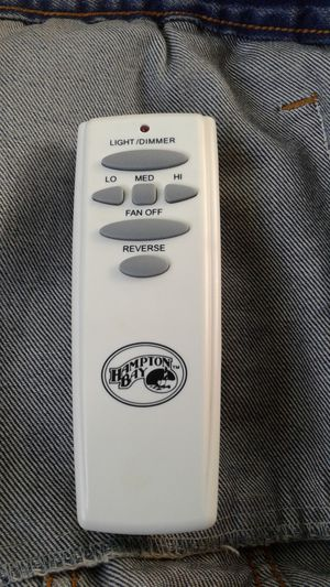 Hampton Bay remote for Hampton Bay ceiling fans for Sale in Houston, TX