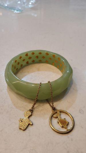 Disney Alice in Wonderland bracelet for Sale in Edgewood, WA