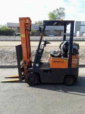 Toyota 3000lb Forklift for Sale in Phoenix, AZ