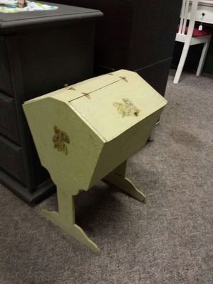 ANTIQUE SHABBY CHIC SEWING BOX for Sale in NC, US