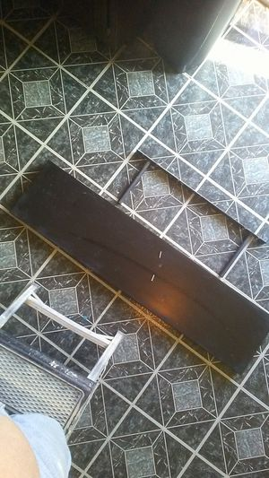 Black floating shelf for Sale in Alsip, IL