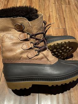 Sorel Snow Boots Men's Size 9 for Sale in Los Angeles,  CA