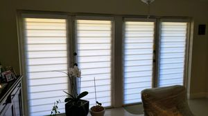 Roller shades screen and blackout cortinas y persianas zebra shades special blinds regular o motorized for Sale in Miami, FL