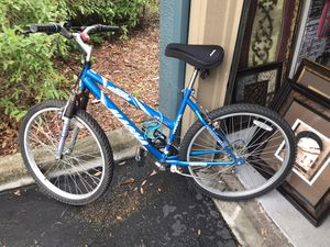 """Women's 24"""" bike good condition for Sale in Tampa, FL"""