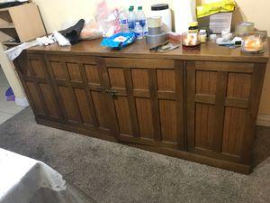 Kitchen cabinet. for Sale in Artesia, CA