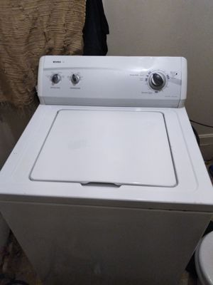 KENMORE WASHER. HEAVY DUTY SUPER SIZE LOAD for Sale in Cleveland, OH