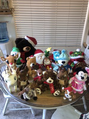 Lot of 18 Christmas Stuffed Animals for Sale in Las Vegas, NV