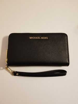 BEAUTIFUL GIFT! NEW WITH TAGS! MK BLACK 3in1 WRISTLET/WALLET/PHONE HOLDER! for Sale in Garland, TX