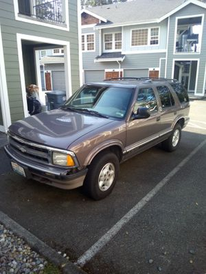 1997 Chevy Blazer 4x4. . . Clean Title for Sale in Tacoma, WA