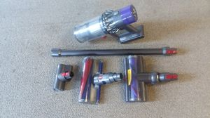 Dyson v10 cordless for Sale in Centennial, CO