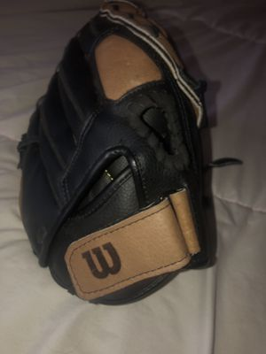 Stored Softball Glove for Sale in Fort Worth, TX