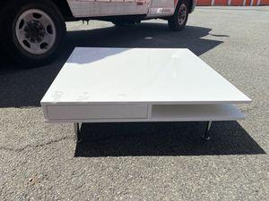 IKEA coffee table for Sale in Elizabeth, NJ