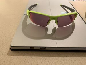 Oakley sunglasses for Sale in Noblesville, IN
