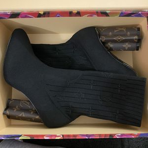 Louis Vuitton Boots Women Size 8 for Sale in Brooklyn, NY
