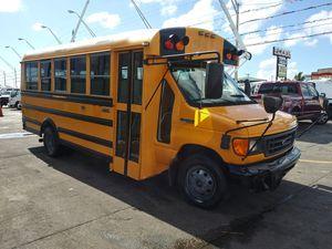 2006 ford e-450 super duty diesel 100.642 millas listo para trabajar for Sale in Miami, FL