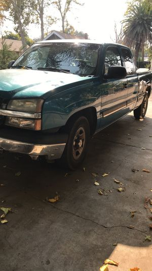 2004 Silverado extended cab for Sale in Woodland, CA