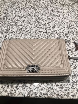 Chanel boy bag wallet with Chain for Sale in UNIVERSITY PA, MD