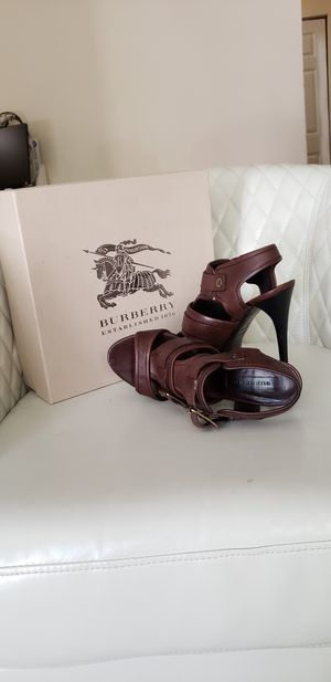 Size 40 brown Burberry sandal in a box. for Sale in Laurel, MD